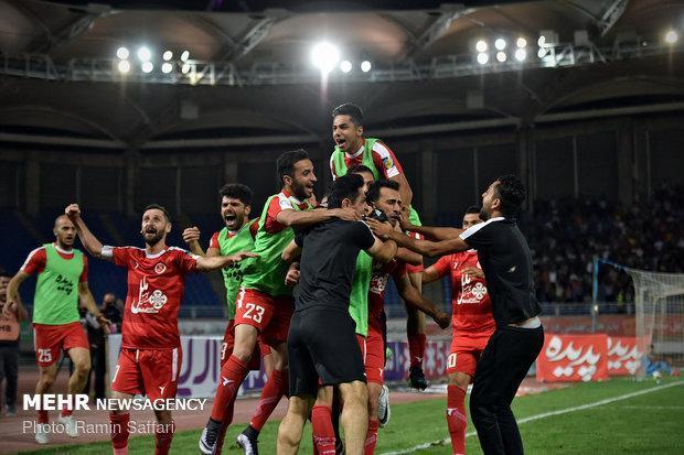 پیروزی پدیده برابر ذوب آهن در اصفهان، تیم یحیی روی نوار پیروزی