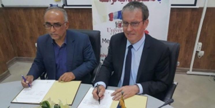 انعقاد تفاهم نامه همکاری بین دانشگاه مازندران و دانشگاه پواتیه فرانسه