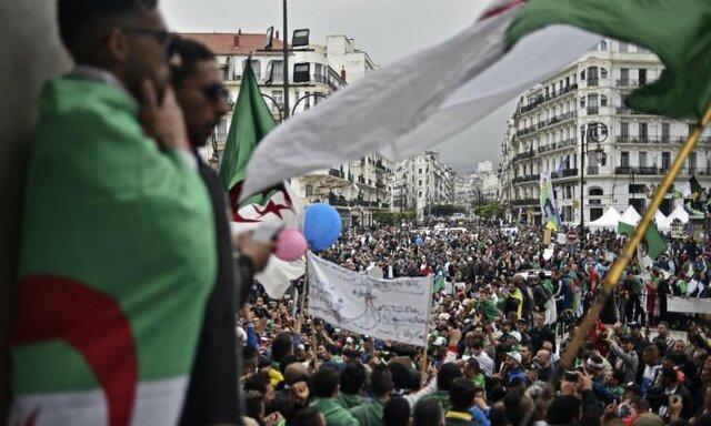 وزارت کشور الجزایر: 76 تن برای تصاحب کرسی ریاست جمهوری ابراز تمایل کرده اند
