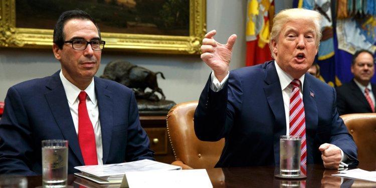 مخالفت وزیر خزانه داری آمریکا با ارائه اظهارنامه مالیاتی ترامپ به کنگره