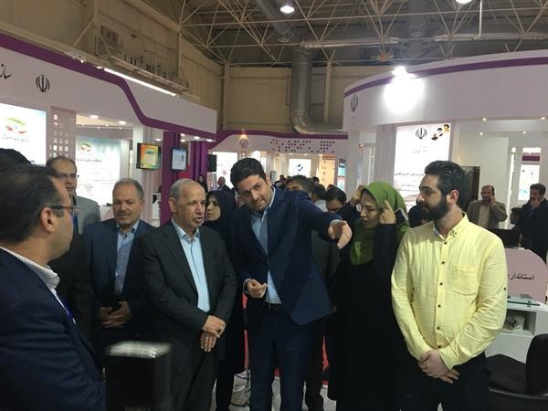 بازدید رئیس سازمان اداری و استخدامی کشور از غرفه سازمان میراث فرهنگی در نمایشگاه الکامپ