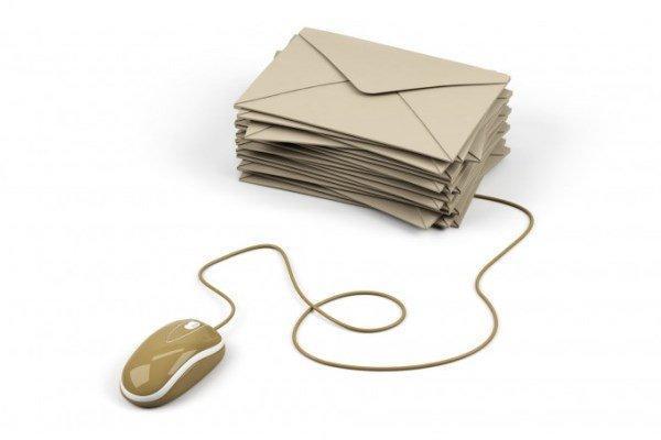 تلفیق شیوه های سنتی و الکترونیکی در ارسال کارت پستال نوروزی