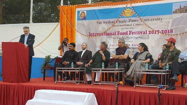برگزاری فستیوال ها معرف برقراری پیوند بین فرهنگ ها است