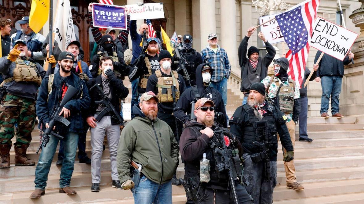 خبرنگاران بهره برداری انتخاباتی ترامپ از اوضاع پریشان کرونا
