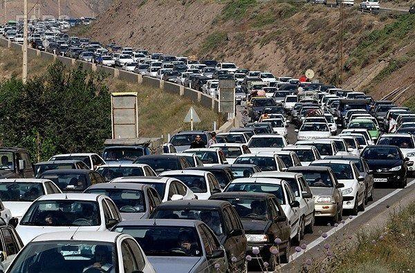 ترافیک در محورهای شمالی همچنان سنگین است، تردد از چالوس ممنوع است