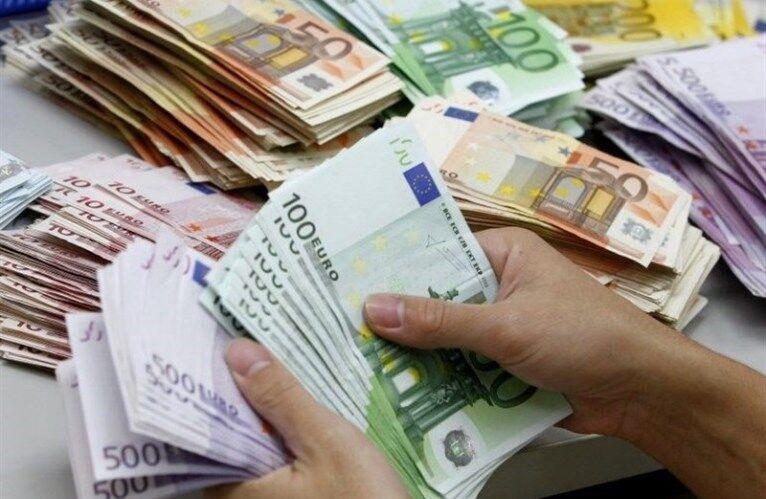 اعلام نرخ رسمی انواع ارز، افت قیمت یورو و پوند