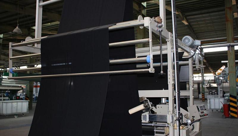 ایران در تولید چادر مشکی خودکفا شد