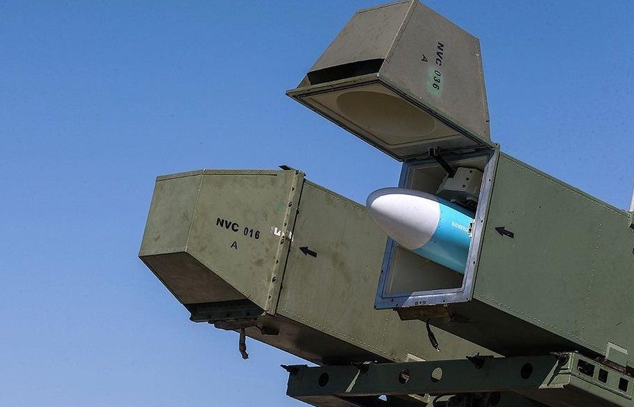 شلیک پیروز موشک قادر در رزمایش ذوالفقار ، انهدام هدف در 200 کیلومتری