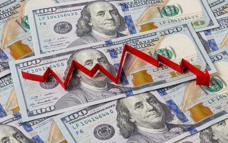 دلار به پایین ترین سطح 2.5 ساله رسید