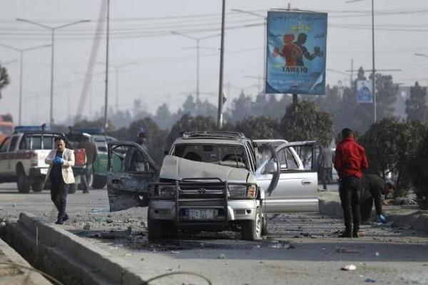 خبرنگاران مردم کابل شنبه را با سه انفجار آغاز کردند