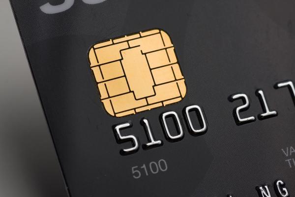 رفع یک چالش مهم ، صدور کارت بانکی به بیش از 10 هزار جهانگرد خارجی کمک کرد