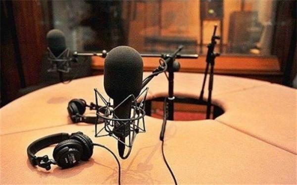آموزش راهکارهای کنترل خودزنی در نوجوانان با رادیو