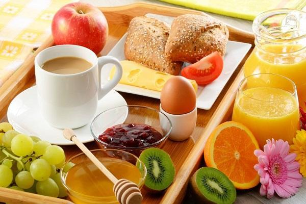 پنیر ماده غذایی خوبی برای صبحانه نیست